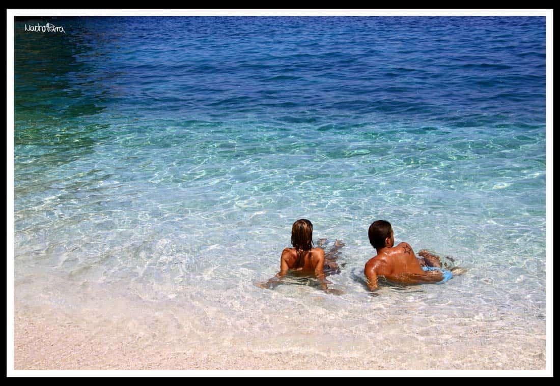 Cita ideal: la playa con una escort
