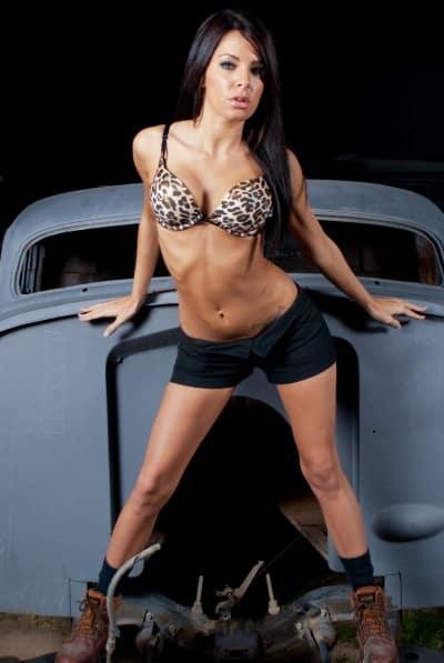 chica modelo coche