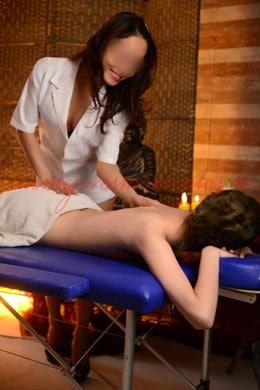 An expert masseuse oriental escort | Mali