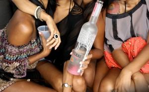 Contratar a una prostituta para una fiesta