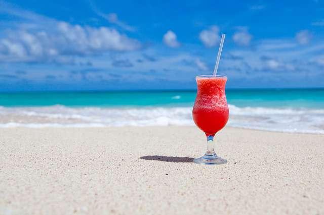 Playa para disfrutar con acompañantes
