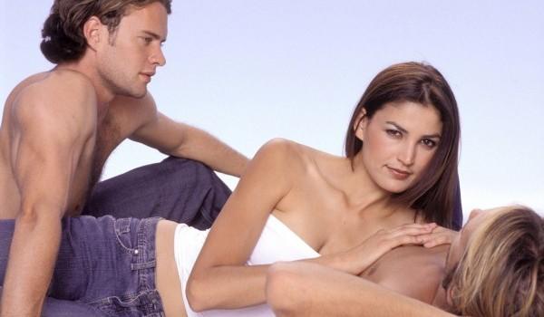 Atención a parejas: Donde caben dos caben tres