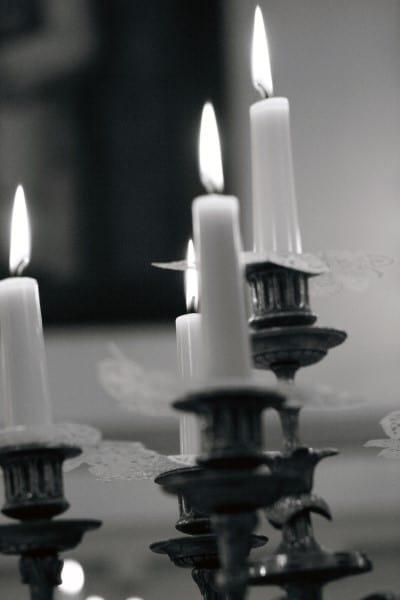 velas blanco negro