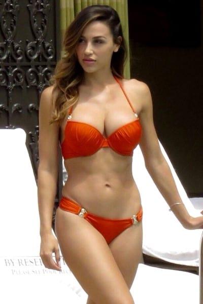 escort sensual naranja