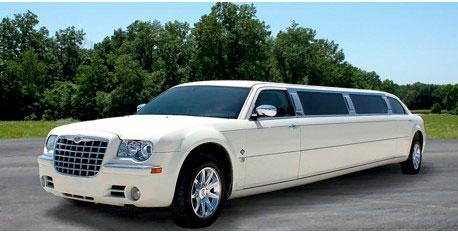 Prueba un servicio con escort o gigoló en una limusina de lujo