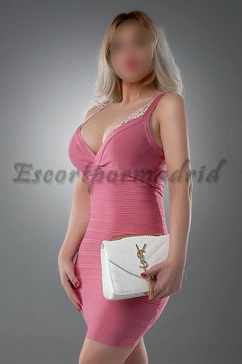 Una escort rubia y elegante en Madrid. Eva