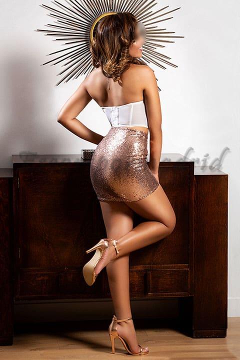 Elegante escort para hombres exigentes y solventes. Naomi