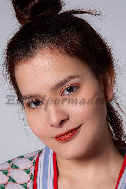 Puta de lujo con rostro asiático. Angélica book nuevo