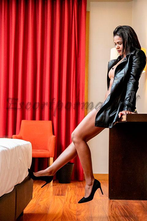 Escort de lujo VIP, Carina